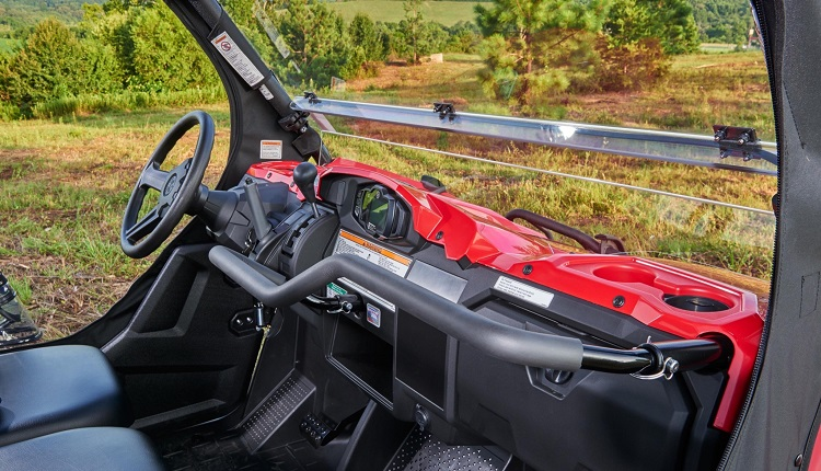 2017 Yamaha Viking interior