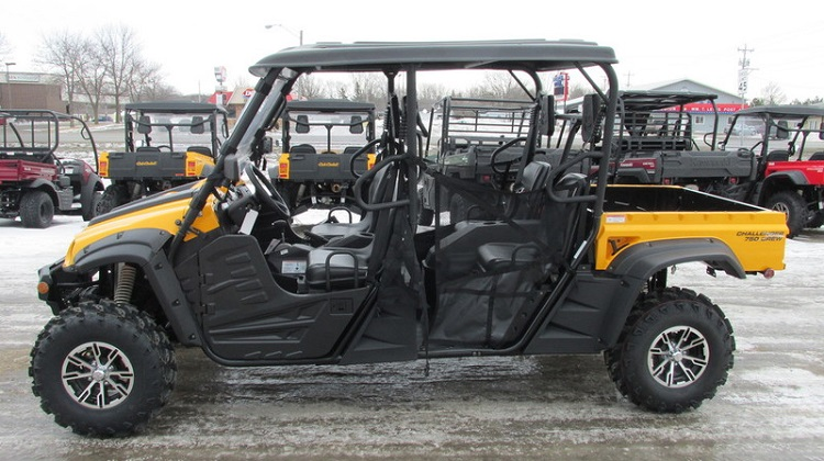 2016 CubCadet Challenger 750 Crew side view