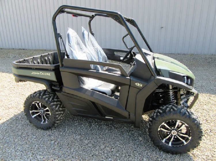 2016 John Deere Gator RSX860i side view