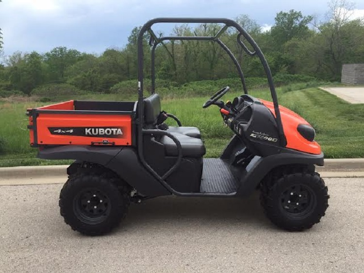 2016 Kubota RTV400Ci side view