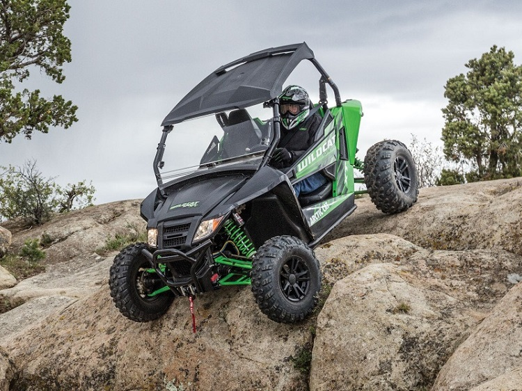 2016 Arctic Cat Wildcat Sport XT 01