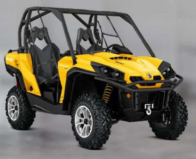 2016 Can Am Commander XT front view
